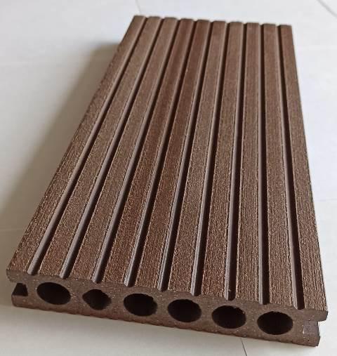 Deck wpc Chocolate tráfico pesado